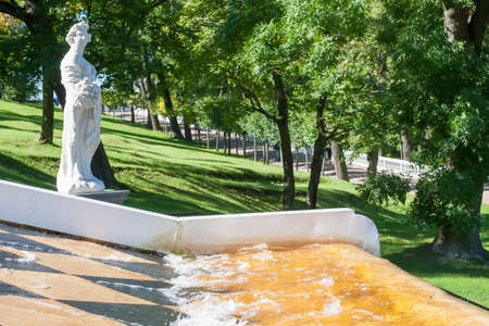 spurt: St. Petersburg, RUSSIA-28 of August, 2016. Fountains in Peterhof. Peterhof-one of suburbs of St. Petersburg with a large number of ancient fountains