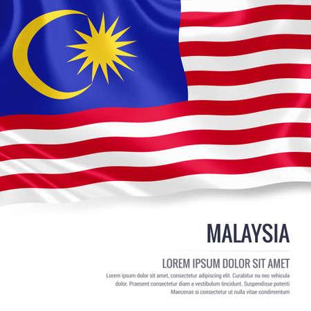 Vlag van Maleisië. Zijdeachtige vlag van Maleisië die op een geïsoleerde witte achtergrond met het witte tekstgebied golven voor uw reclamebericht. 3D-rendering.