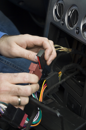 12v: The mechanic hooks the cube with the wires to the cars electrical system.