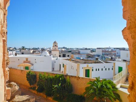 el: El Jem city view