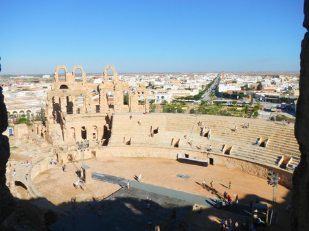 amphitheatre: El Jem amphitheatre