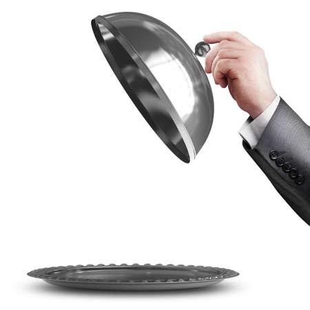 zakenman hand met zilveren schotel of cloche met ruimte om object op een witte achtergrond Hoge resolutie te plaatsen Stockfoto