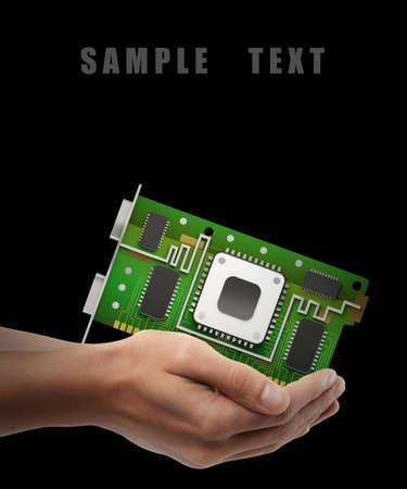 graphic card: GPU scheda grafica. Man mano oggetto holding isolato su sfondo nero. Alta risoluzione
