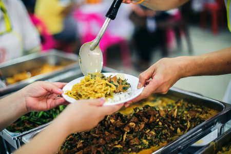 Food sharing to help the homeless : the concept of food needs to alleviate hunger