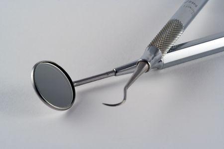 trinchante: Herramientas utilizadas por el dentista