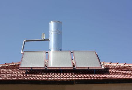 convection: Riscaldamento di acqua solare pannello su un tetto