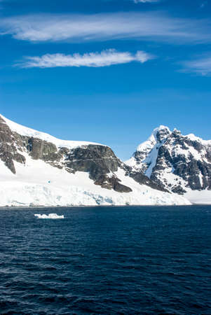 Antarctica - Antarctic Peninsula - Palmer Archipelago - Neumayer Channel - Global warming - Fairytale landscape photo