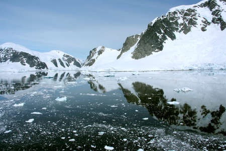 ice sheet: Summer in Antarctica - Coastline of Antarctica With Ice Formations - Antarctic Peninsula - Palmer Archipelago - Neumayer Channel - Global Warming