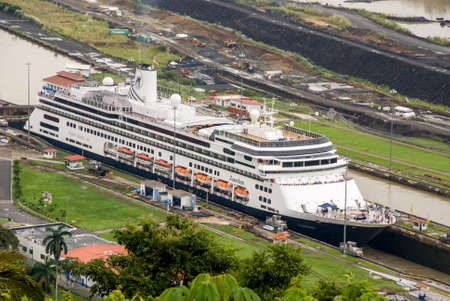 zaandam: MS Zaandam - Holland America Cruise Line Ship in Panama Canal - 29.09.2013