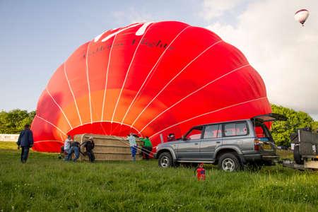 Der Jungfrau-Heißluftballon bereitet sich für Start in hohem Wycombe in Südost-England - 31. Mai 2017 vor