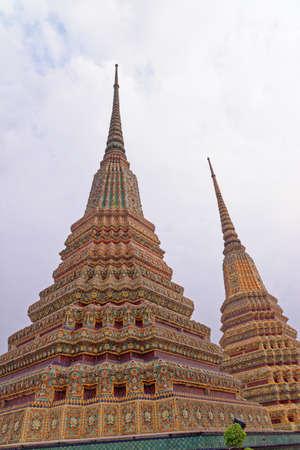 Wat Pho Temple of the Reclining Buddha, temple site, Chedis, Bangkok, Thailand, Southeast Asia Standard-Bild