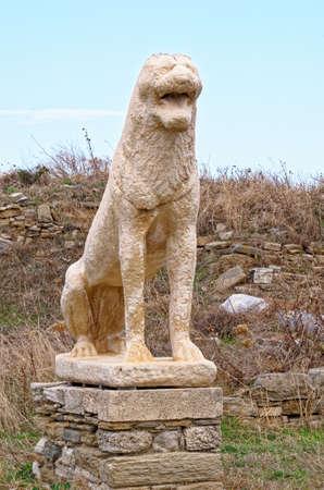 Remnants of lion guard statues on the Cycladean island of Delos, Mykonos prefecture, Greece, Summer 2011 Standard-Bild