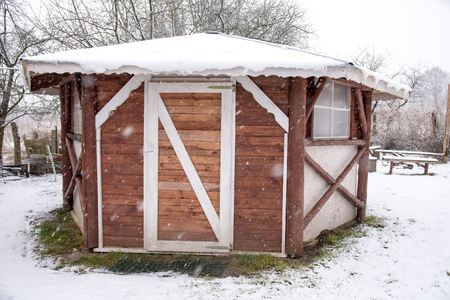 Gazebo in winter time. Banque d'images