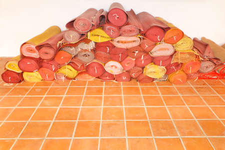 coverings: Plastic woven mats, use floor coverings