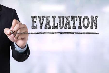 evaluacion: EVALUACIÓN dibujo página de destino en el fondo borrosa resumen de negocios