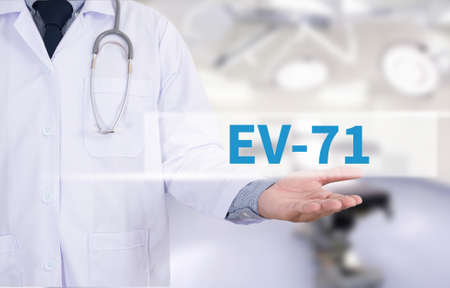 polymorphism: EV-71 Medicine doctor hand working Stock Photo