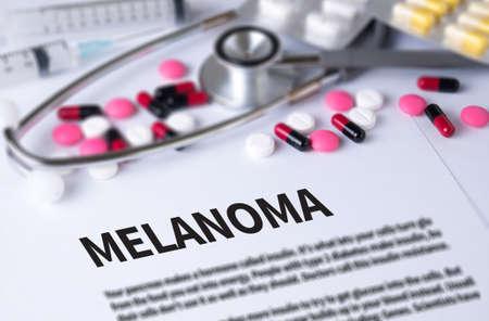 insolación: El melanoma y el fondo de Medicamentos Composición, estetoscopio, mezclar medicamentos de terapia médico y selectfocus
