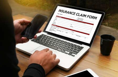 REVENDICATIONS Formulaire d'assurance maladie, document de réclamation du client à l'assurance, réclamations - Concept commercial, réclamation d'assurance, réclamations assurées État d'urgence