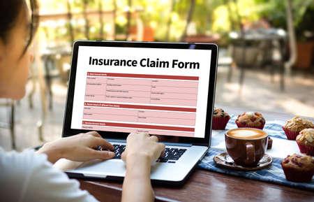 RÉCLAMATIONS Formulaire d'assurance maladie, Concept d'entreprise, Revendications assurées Condition d'urgence Banque d'images