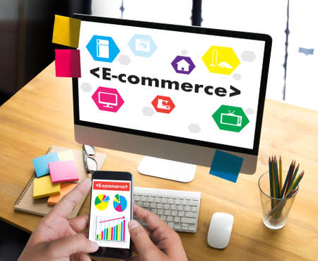 e commerce: Business people use Technology E-commerce Internet Global Marketing Purchasing Plan and Bank Concept