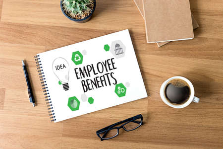 EMPLOYEE BENEFITS  TECHNOLOGY COMMUNICATION definition highlighted Banco de Imagens
