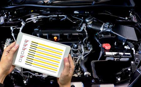 Detalle del nuevo motor de un automóvil El potente motor de un automóvil. Diseño interno del motor mecánico.