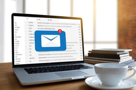 Het post Communicatie Verbindingsbericht aan postcontacten telefoneert Globaal Brievenconcept