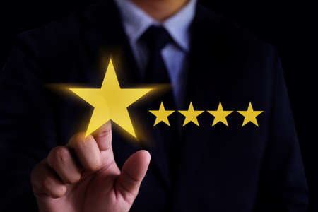 Man Happy Customer give  Five Star Rating Experience Customer service and care Concept Banco de Imagens
