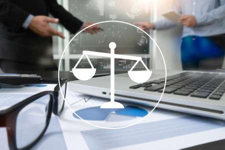 Travail d'équipe et éthique d'équipe Justice Loi Ordre Juridique