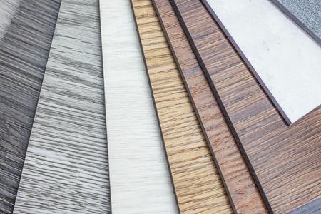 Campione di vinile polimerico in PVC per i clienti di scegliere il design del pavimento all'interno dello spazio della copia