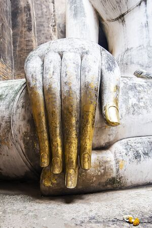 The hands of the Buddha statues of the Buddha are respected by the people