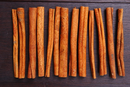 cinnamon bark: cinnamon stick
