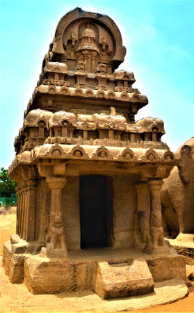 pallava: Ancient Monolithic temple in Mahabalipuram, Tamil Nadu, India