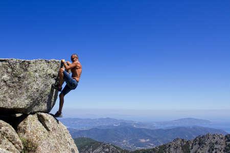 escalada: homem sobre a fal