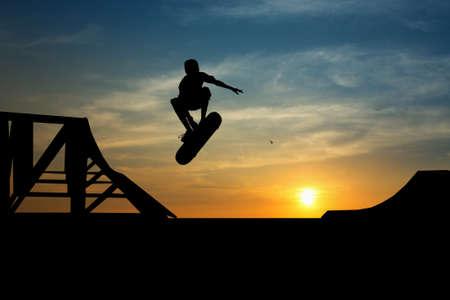 extreme: Skateboard at sunset