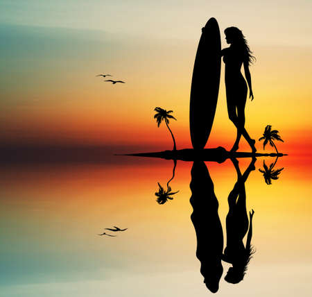 Frau Surfen bei Sonnenuntergang
