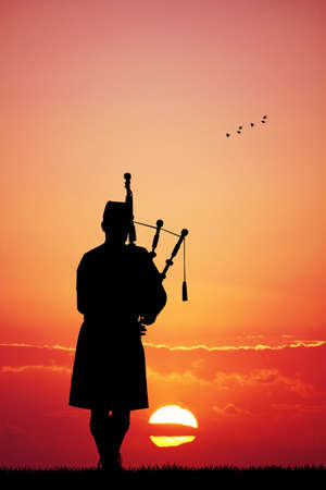 irish cities: Pipers at sunset