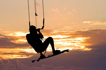 adrenalin: kite surfer