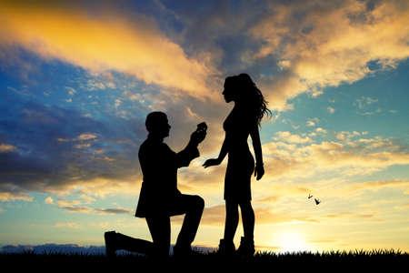 huwelijksaanzoek aan de vrouw Stockfoto