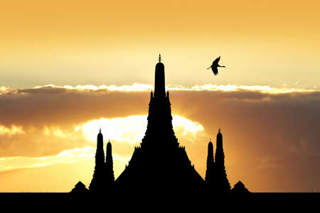 silhouette of the temple in Bangkok Archivio Fotografico - 126375139