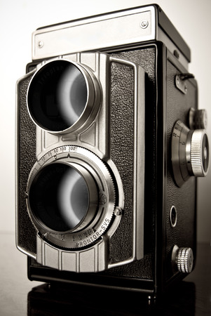 reflex camera: old twin-lens reflex camera (TLR), camera with two objective lenses of the same focal length Stock Photo