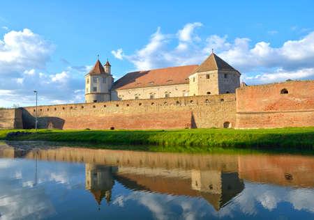 fagaras: Fortezza Fagaras nella Contea di Brasov, Transilvania, Romania Editoriali