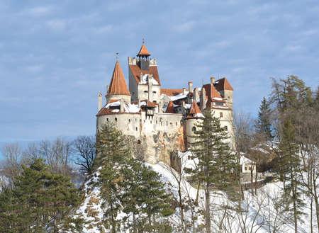 Château de Bran - Château de Dracula en hiver Banque d'images - 87736493