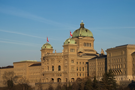 The Federal Palace (1902), Parliament Building (Bundeshaus) housing the Federal Council, Berne, capital city of Switzerland, Europe. 版權商用圖片