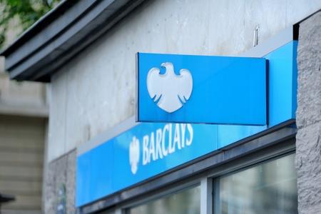 París, Francia - 13 de julio de 2011: la rama principal de los principales proveedores mundiales de servicios financieros Barclays Bank en París. Barclays PLC es uno del mundo Foto de archivo - 12257499