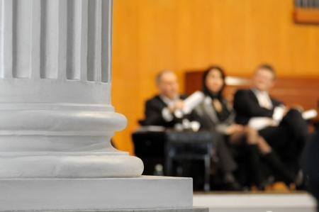 Erfolgreiche Geschäftsleute während einer Präsentation Standard-Bild - 18295792