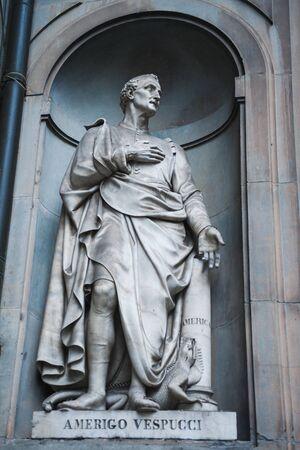 cartographer: Statue of Amerigo Vespucci the famous Italian explorer, financier, navigator and cartographer in Uffizi Gallery, Florence, Italy