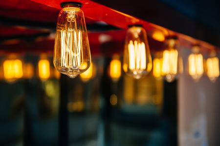 wolfram: Lighting decoration with vintage bulbs - eclectic interior