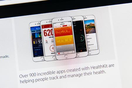 keynote: PARIS, FRANCIA - 09 de marzo 2015: evento Apple Computers tuits magistrales de cerca se ve en iMac con los appls reci�n HealthKit cuentan como se ve en 09 de marzo 2015