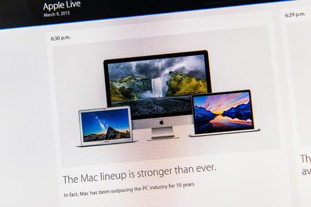 keynote: PARIS, FRANCIA - 09 de marzo 2015: evento Apple Computers tuits magistrales close up visto en iMac con la alineaci�n Mac es m�s fuerte que nunca con MacBook Air, Mac Book Pro Retina y iMac como se ve en 09 de marzo 2015